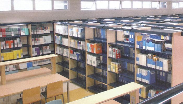 Equipamiento de biblioteca de Krealia Gestión