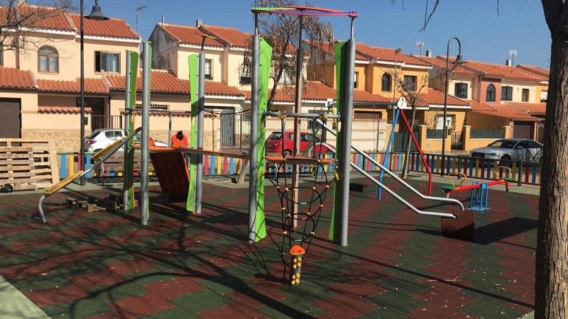 Construcción parque infantil en Nambroca Toledo