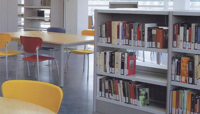 Mobiliario de biblioteca de Krealia Gestión