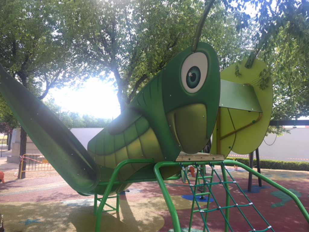 Parque infantil en Villaseca de la Sagra