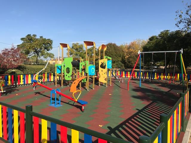 Parque infantil en Lucillos